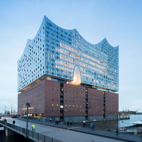 Elbphilharmonie in Hamburg mit BASWA Cool und BASWA Phon Akustikdecken