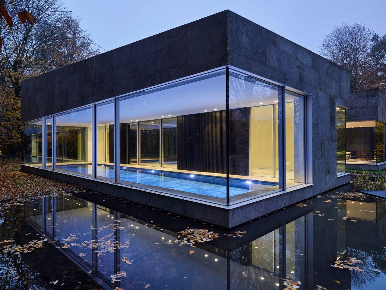 Villa Bras in Belgien- Swimming Pool mit BASWA Phon Akustikdecke